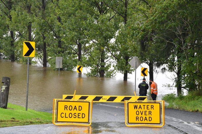 Wegens zijn onbegaanbaar geworden door de extreme regenval.