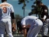 Honkballer overwint kanker en krijgt emotioneel onthaal op het veld