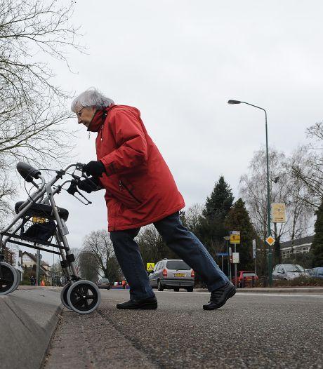 Nieuwe stoep is te hoog voor ouderen in Langeweg: 'Dagelijks rondje is onmogelijk geworden'