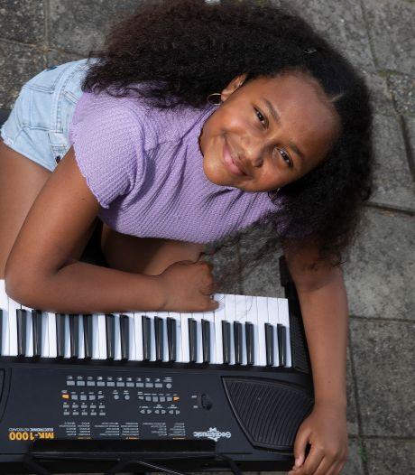 Doetinchemse Priscilla (12) jaagt haar dromen na en staat in finale van Junior Songfestival