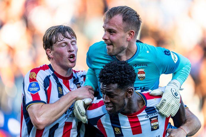 Doelman Timon Wellenreuther is de gevierde man bij Willem II.