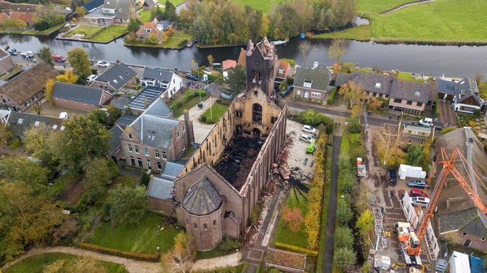 Drone foto's van de O.L.V Kerk in Hoogmade die maandag 4 november is afgebrand.