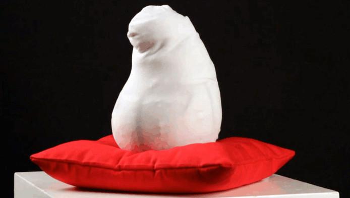 De knuffelrobot Tusi kan emoties door middel van tastzin kenbaar maken.
