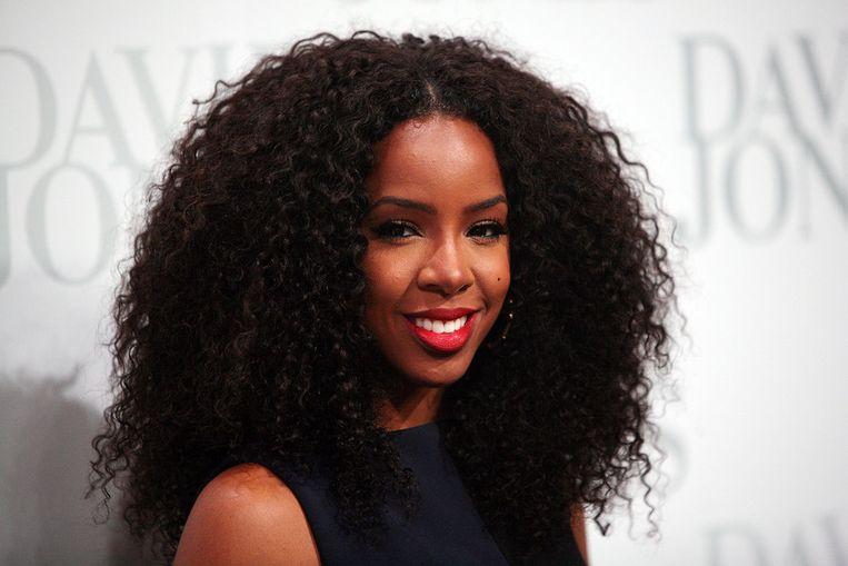 Kelly Rowland heeft een veel donkerdere huid dan Beyoncé, en dat heeft een invloed gehad op haar succes, vindt Mathew Knowles.