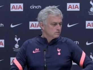 José Mourinho onderbreekt persconferentie om zijn medeleven te betuigen met koninklijke familie