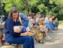 Plusieurs mères allaitantes côte à côte: une image que l'on ne voit pas souvent.