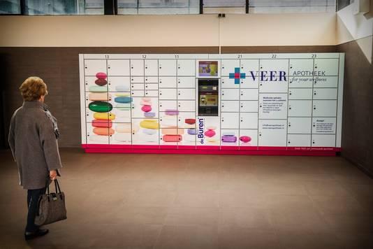 Een medicijnautomaat op het treinstation. In Zwijndrecht werd de 'extra service' deze week in gebruik genomen.
