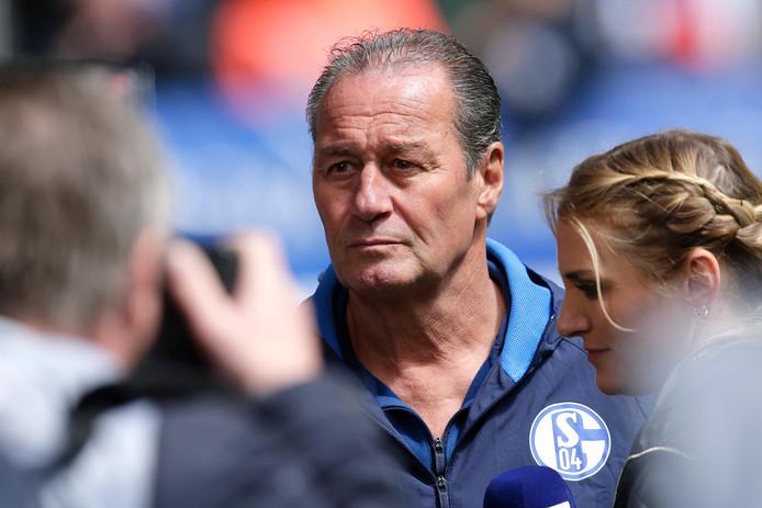 Huub Stevens kroop vorig seizoen nog een keer op de bank bij Schalke 04, om de club uit Gelsenkirchen uit de brand te helpen.