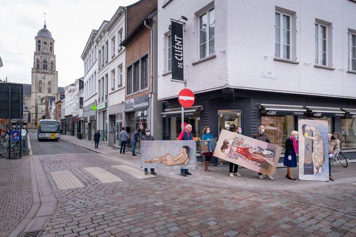 Kunstgalerij Artisjok verhuisde van de Rechtestraat naar de Grote Markt.