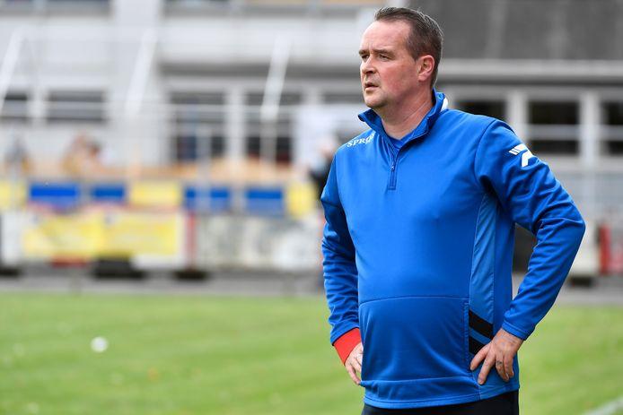 """Latemcoach Christophe Van Heyste trekt zonder hoge verwachtingen naar FC Lebbeke: """"Wij staan pas aan het begin van onze voorbereiding en missen nog heel wat spelers"""""""