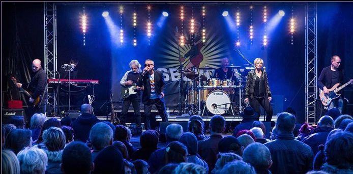 Onder meer Okselvocht zal optreden tijdens het dorpsfestival.