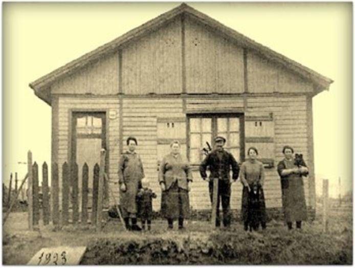 De noodwoning in 1923.