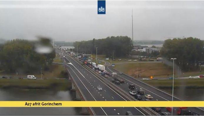 File op de A27 bij Gorinchem, richting Breda.
