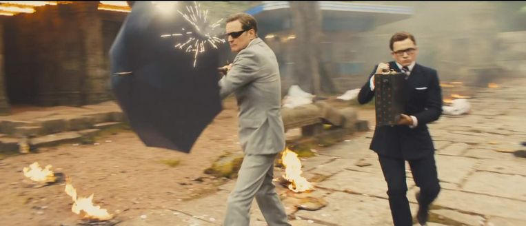 Colin Firth en Taron Egerton in Kingsman: The Golden Circle van Matthew Vaughn Beeld