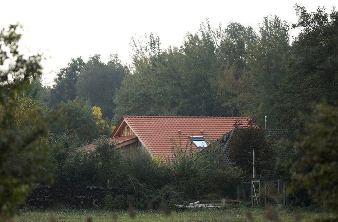 De boerderij waar de gezinsleden vermoedelijk jaren op een kamer in afzondering hebben geleefd.