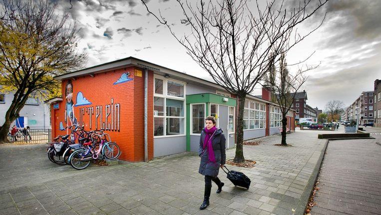 Het jeugdcentrum in de Vechtstraat waar in december vorig jaar een vuurwerkbom naar binnen werd gegooid. Beeld Klaas Fopma