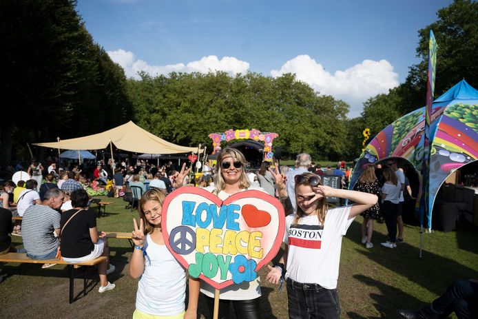 'Love, peace and joy' stonden centraal op Hoekstock.