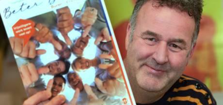 Wim hielp mee met vrijwilligersmagazine Beter Buren: 'Het is een prachtig overzicht van alle verenigingen'