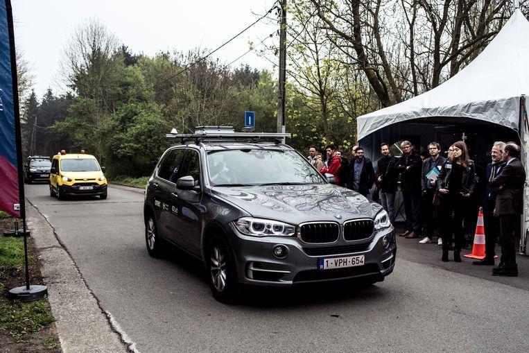 De voertuigen van Imec zijn voorzien van camera's, radars lidars (hoogtechnologische sensoren die een 3D-beeld maken van de omgeving), en communicatietechnologie. Beeld Tine Schoemaker