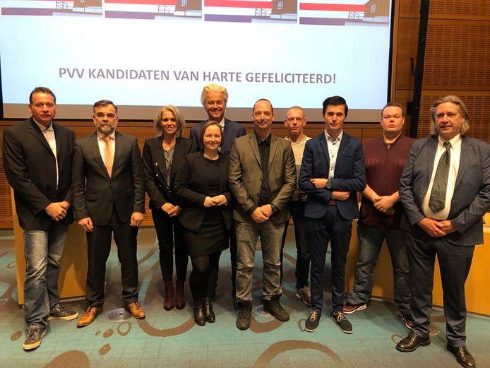 De PVV Twenterand met Geert Wilders. Een aantal kandidaten is bekend, anderen zijn onbekend in Twenterand.