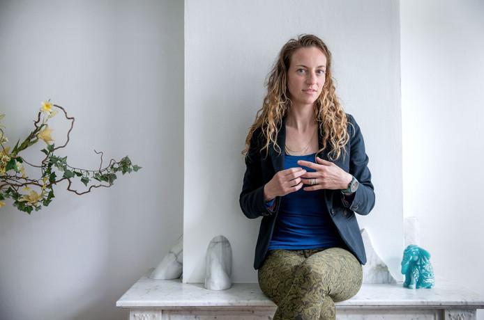 Iris Hannema moet waken voor 'reizigerspijn.'