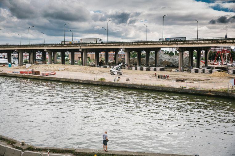 Werken aan het einde van de Noordersingel, Alberkanaal. Beeld Wouter Van Vooren
