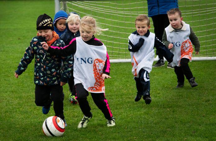 Kaboutervoetbal bij DFS in Opheusden.