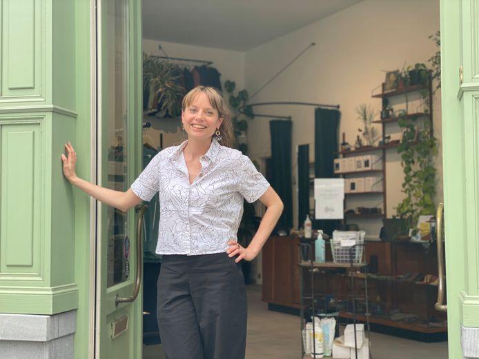 Lisa Deridder in de winkel in de Onderstraat.