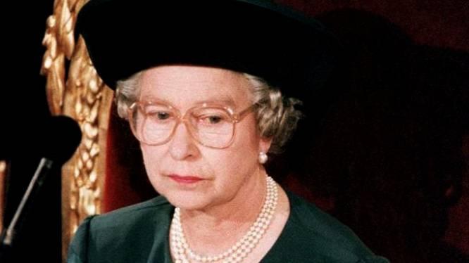 Nieuw 'annus horribilis' voor de Queen? Hoe de geschiedenis uit 1992 zich dreigt te herhalen