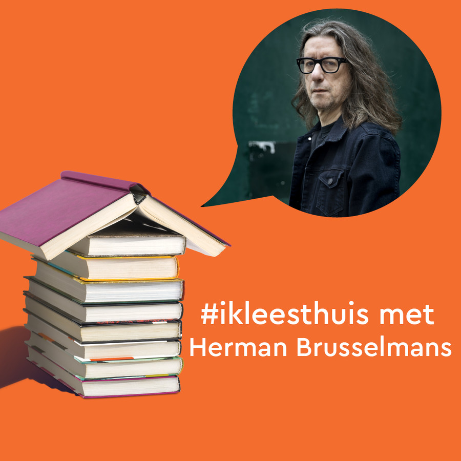 Foto van Herman Brusselmans voor de serie korte verhalen #ikleesthuis, in samenwerking met CPNB en hebban.nl