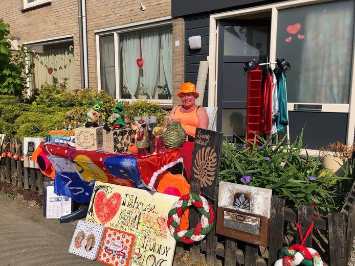 'Oranje boven' in de voortuin van Jennine Korsten uit Veghel.