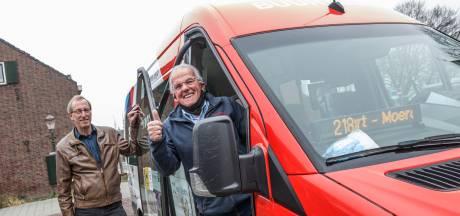Buurtbus 218 in Zevenbergen rijdt weer, nu alleen de reizigers nog