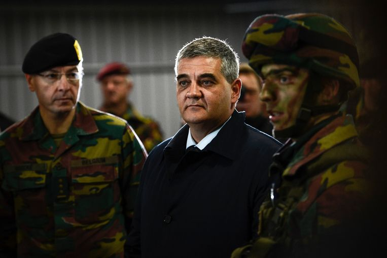 Minister van Defensie Steven Vandeput. Beeld BELGA