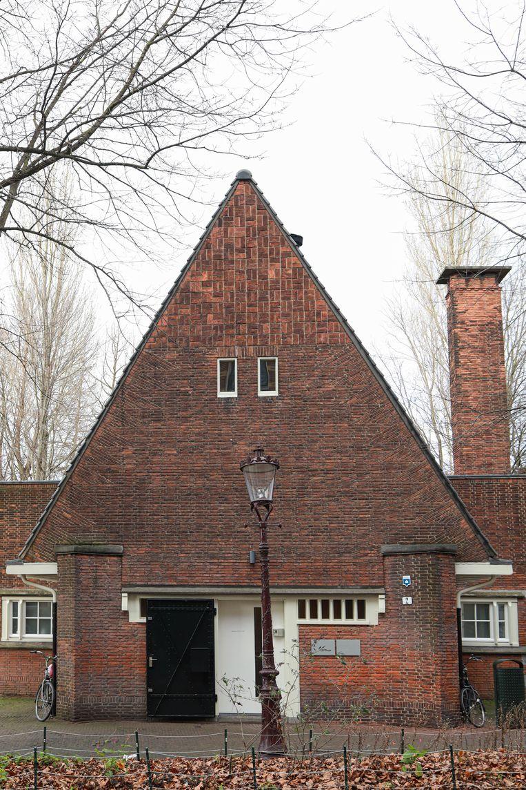Op 20 maart stonden we het in 1925 aan de Ruysdaelkade in Amsterdamse Schoolstijl gebouwde rioolgemaal F, een ontwerp van architect Allard Remco Hulshoff, dat in 1987 buiten werking is gesteld.  Beeld Anouk Hulsebosch
