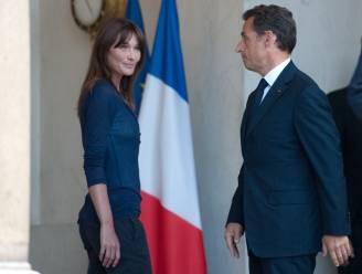 Carla Bruni komt op voor Iraanse die gestenigd wordt