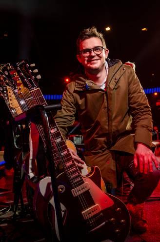 """Gitarist Niels Destadsbader mikt op eigen zangcarrière: """"Hij zei meteen: 'Je moet dat echt doen, Brammie'"""""""