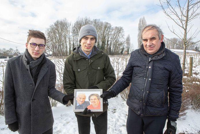 Dany Verhertbrugge, met zonen Nick en Stijn, nam woensdag afscheid van Clement Verhertbrugge en Blondine Van Overstraeten.