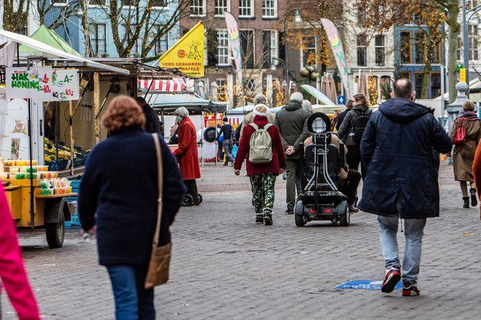 Archiefbeeld van de markt op de Brink in Deventer