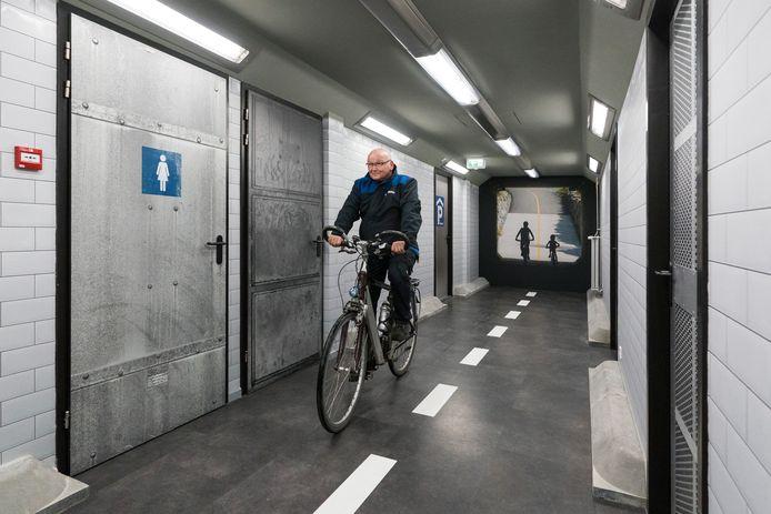 Bij Lightronics wordt het gebruik van licht in de toekomst onderzocht. Daarvoor werd onder meer een fietstunnel nagebouwd.