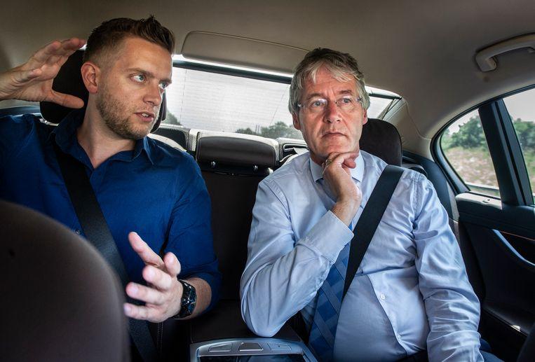 De meesters zaten plots aan tafel (of achterin de dienstauto drie jaar geleden) bij minister Arie Slob.  Beeld  Koen Verheijden