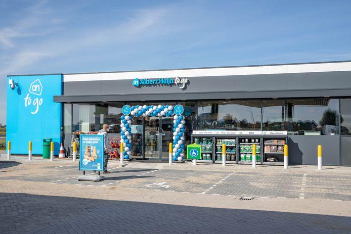 De Albert Heijn to go op BP-tankstation Vliete nabij Krabbendijke. In de gemeente Reimerswaal mogen winkels niet open op zondag, maar voor tankstations geldt een uitzondering.