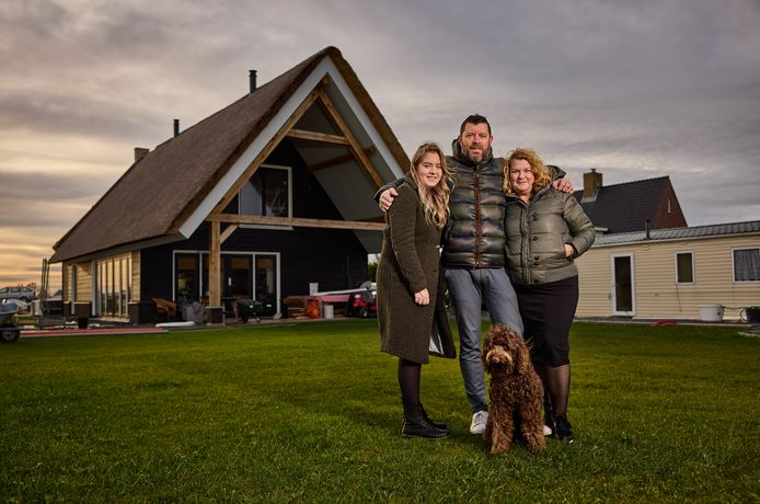 Willem Degeling bouwt samen met zijn vrouw Marijke en dochter Yanou een eigen huis in Brielle.