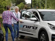 'Proefkonijnen' lijken tevreden over elektrische auto's voor vervoer van senioren in Boxtel