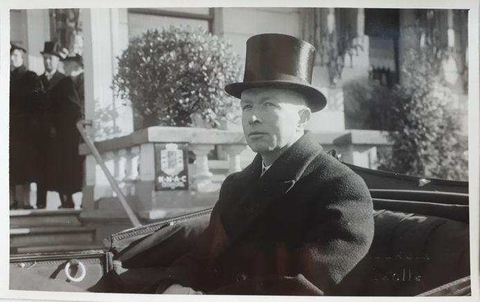 Arnoldus van Walsum bij zijn installatie als burgemeester van Zwolle, 19 februari 1938. Collectie Sander van Walsum