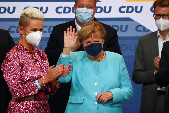 Angela Merkel a été élue au Bundestag par mandat direct depuis sa circonscription à chaque élection depuis 1990. Elle ne se présentait pas lors de ce scrutin.