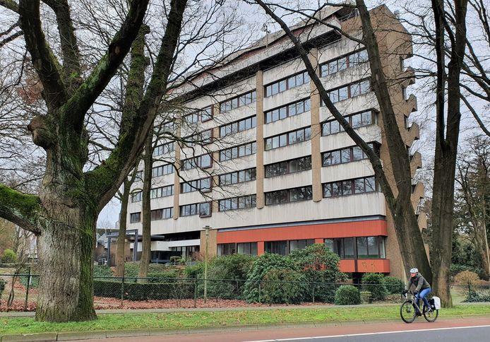 Gebouw Dunoveste in Doorwerth op archiefbeeld. Op de plek van het leegstaande kantoor moeten zo'n 80 woningen komen.