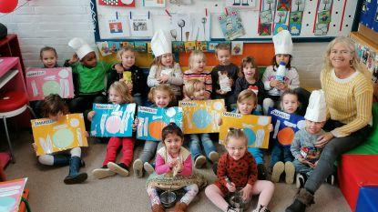 Kinderen basisschool De Klimop smullen buikje rond tijdens 'Week van de Smaak'