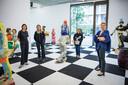 Sofie Van De Velde (49, rechts op foto) stelt al bijna vijf jaar kunst tentoon aan Nieuw-Zuid. Op de foto ook haar team: Axelle, Astrid en Theresia.