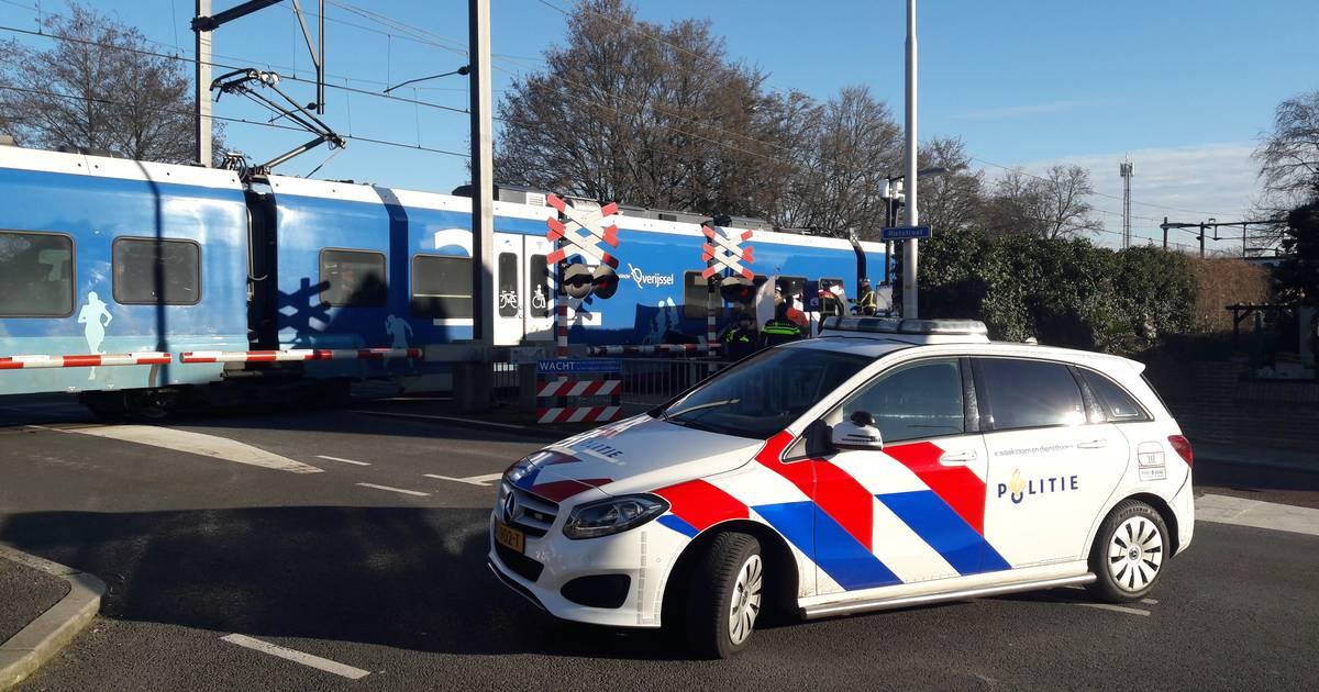 Geen treinen tussen Almelo en Hengelo door aanrijding.
