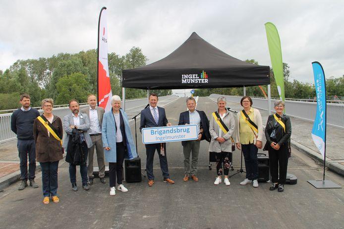 De nieuwe brug in Ingelmunster heet voortaan de Brigandsbrug.